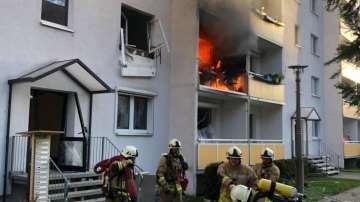Един загинал и 25 ранени при експлозия на газ в блок в Германия (СНИМКИ)
