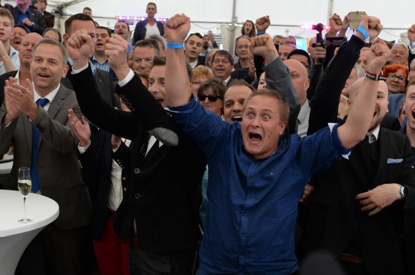 поражение партията меркел родната провинция