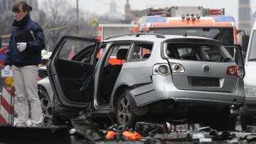 Кола се взриви в центъра на Берлин