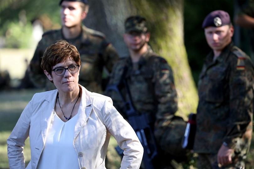 какви приоритетите новия министър отбраната германия