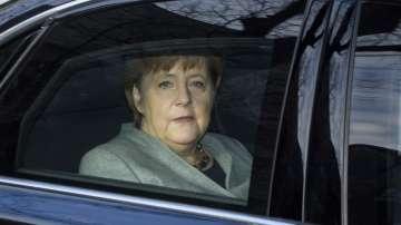 Меркел ще се срещне с Туск и Юнкер