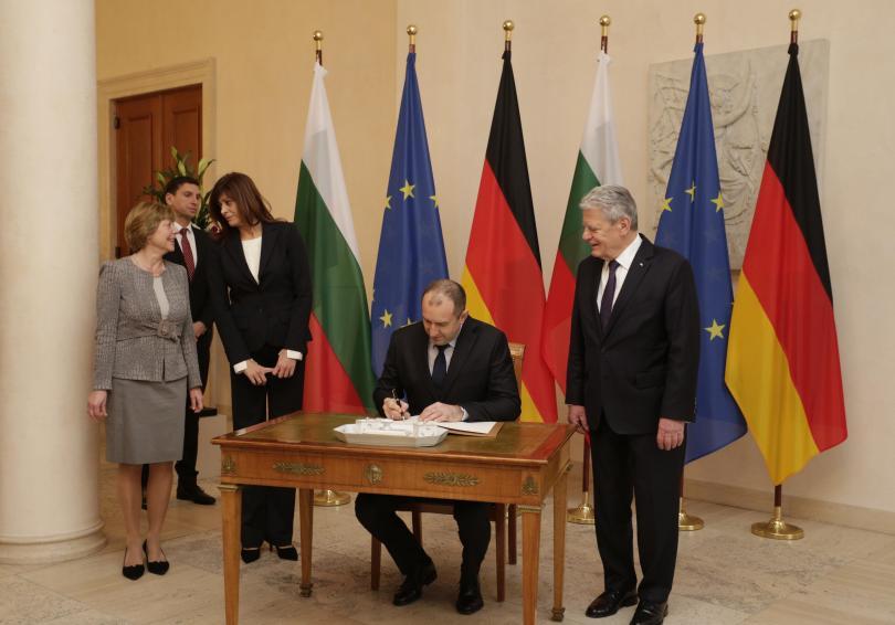 снимка 1 Румен Радев напомни в Германия, че трябва да станем част от Шенген