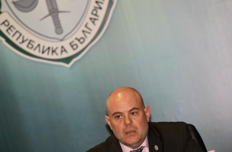 Кметът на Костенец Радостин Радев е обвинен за предлагане на