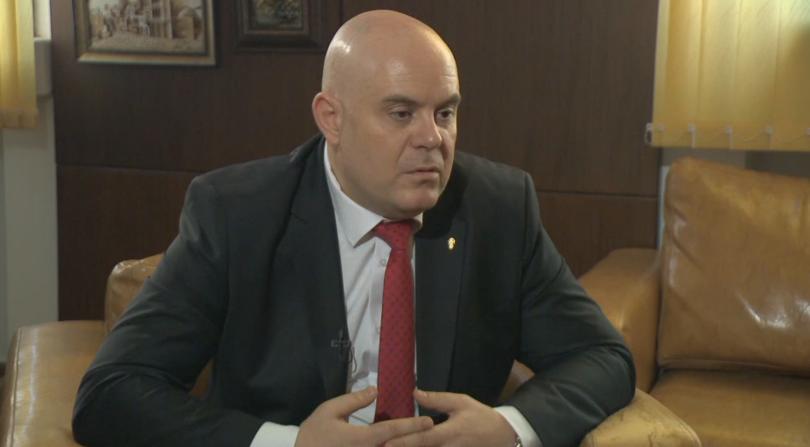 Веднага след приемането му на поста, новоизбраният главен прокурор Иван