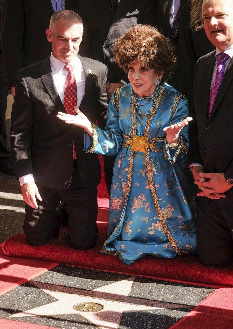 снимка 4 Джина Лолобриджида със звезда на Алеята на славата в Холивуд (СНИМКИ)