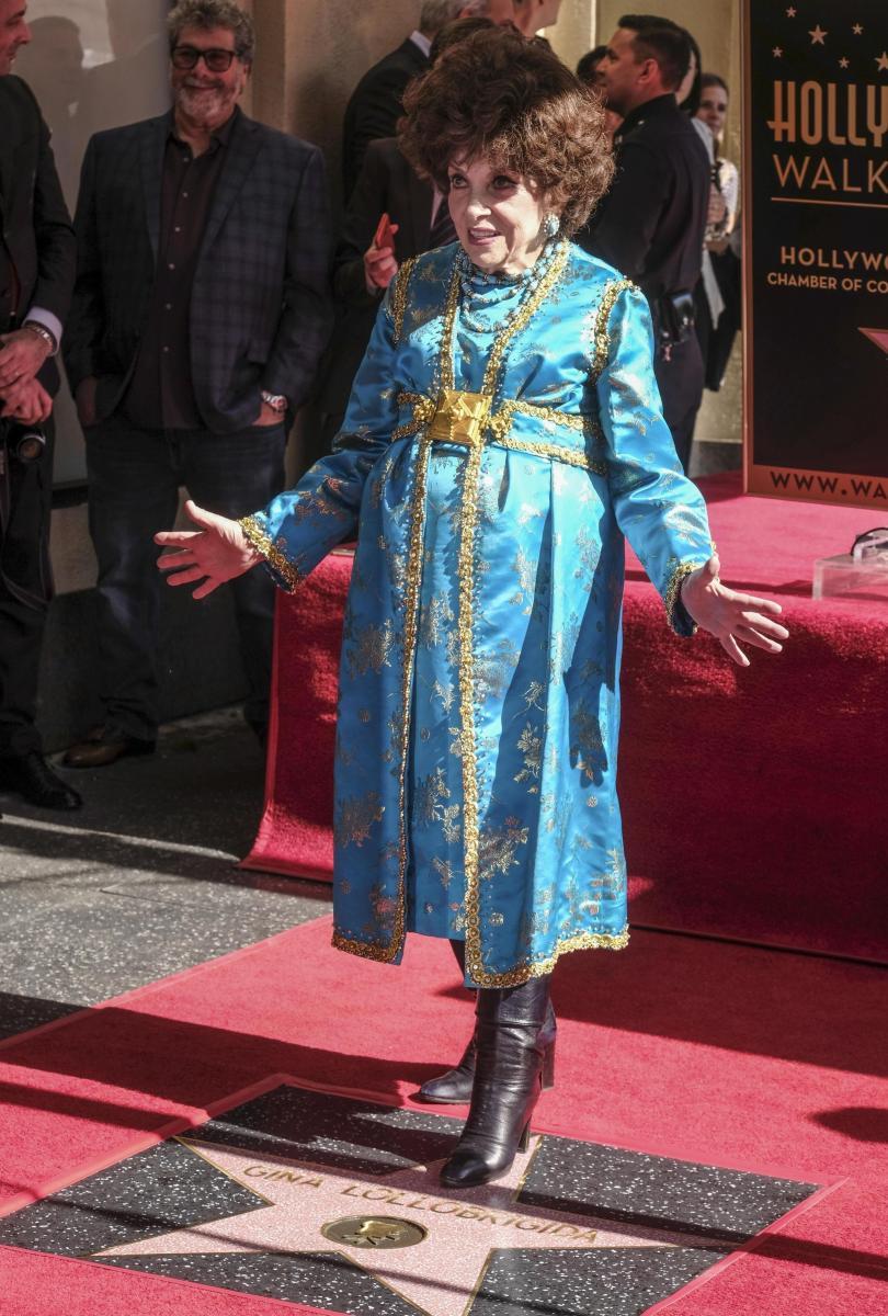 снимка 3 Джина Лолобриджида със звезда на Алеята на славата в Холивуд (СНИМКИ)