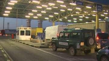 Отстраниха от длъжност обвинените в корупция гранични полицаи на Дунав мост