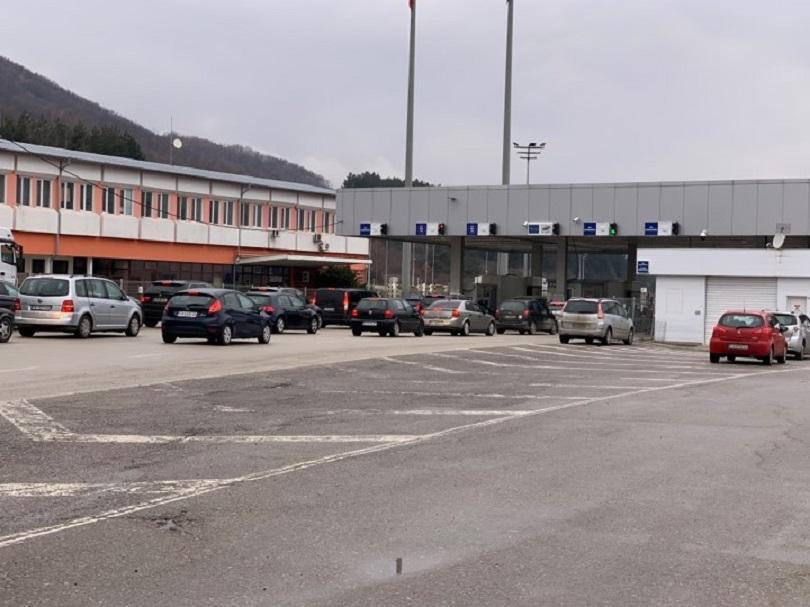 Струпване на автомобили между ГКПП Калотина и сръбския Градина