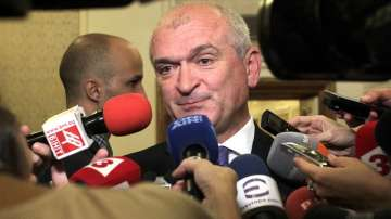 Димитър Главчев подаде оставка, Цвета Караянчева е новият председател на НС