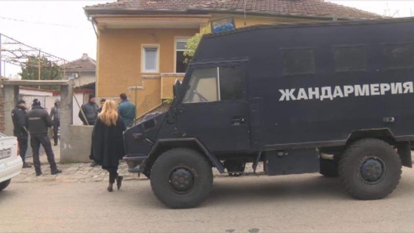Мащабна акция срещу телефонните измамници в София и Горна Оряховица.