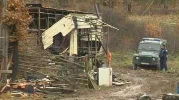 Задържаха родителите на загиналите деца при пожара в годечкото село Шума