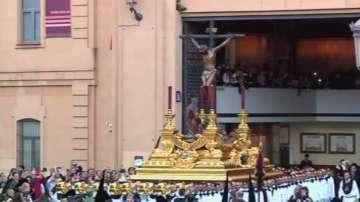 Католиците по света отбелязват Разпети петък