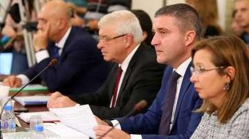 Приеха в комисии бюджетите на Здравната каса и Държавното обществено осигуряване