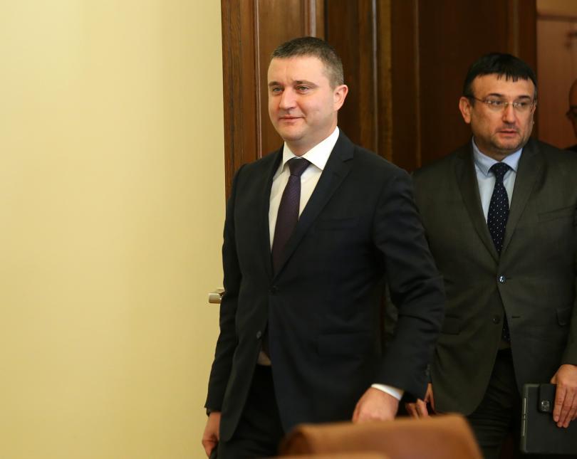 Финансовият министър Владислав Горанов коментира пред БНТ исканата от главния