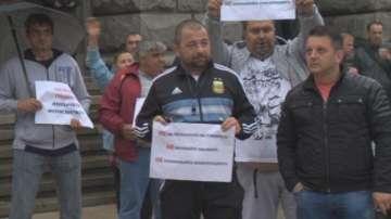 За втори ден търговци на горива протестираха под прозорците на властта