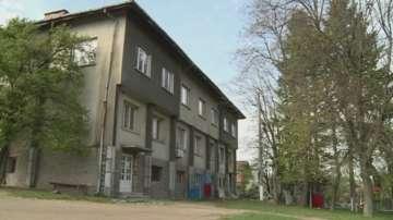 Шест месеца се бави ремонтът на детски градини в община Сапарева баня