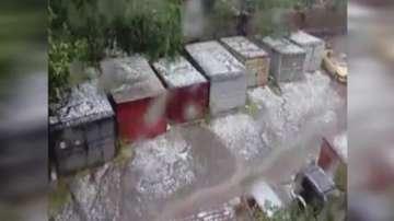 Комисия ще описва щетите след поройния дъжд с градушка в Карнобат и Стралджа