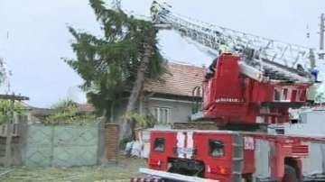 Градушка прекъсна жп връзки в Свищовско
