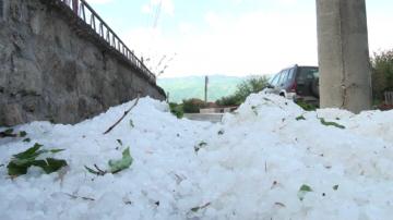 Ураган и градушка нанесоха щети в Северна България