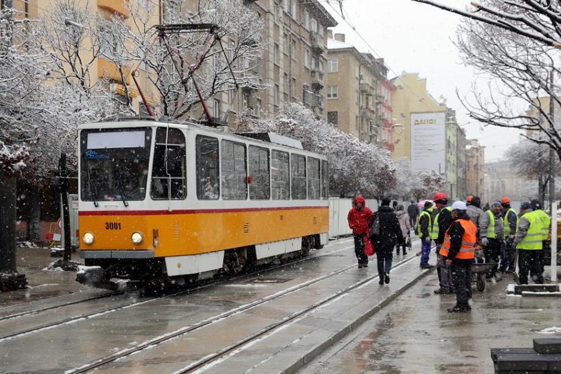 """Снимка: Пуснаха пробно трамваите по ул. Граф Игнатиев"""" в столицата"""