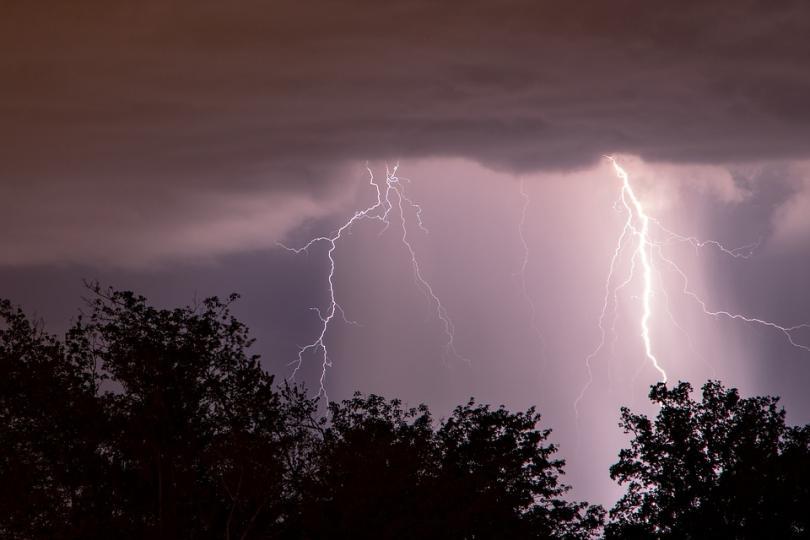 Синоптиците предупреждават за очаквани валежи до 35 литра на квадратен