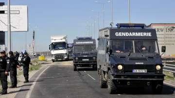 Блокади на границата спират влизането на автобуси от Турция