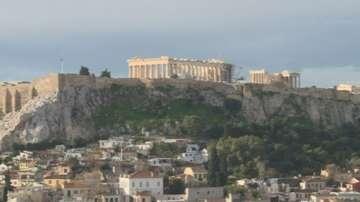 В Гърция отчитат спад на приходите от туризъм