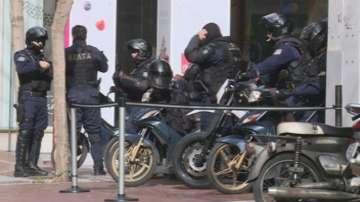 Осем подозрителни пакета бяха конфискувани в Атина