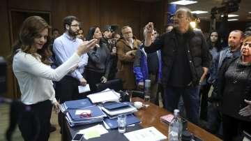 Протестиращи нахлуха в Министерството на труда в Атина