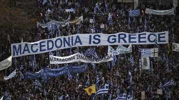 От нашите пратеници: Огромен митинг в Атина в защита на името Македония