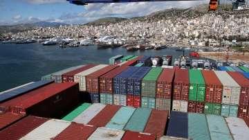 Утре Гърция излиза от последния спасителен план, договорен с ЕС, ЕЦБ и МВФ