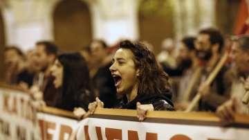 28 души са арестувани по време на безредици в Атина