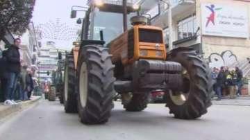 Гръцките фермери се подготвят да блокират границата
