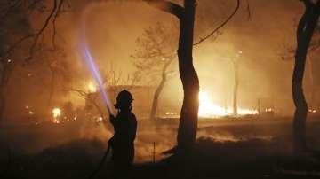 Огненият ад в Гърция: Десетки жертви и ранени при унищожителните пожари