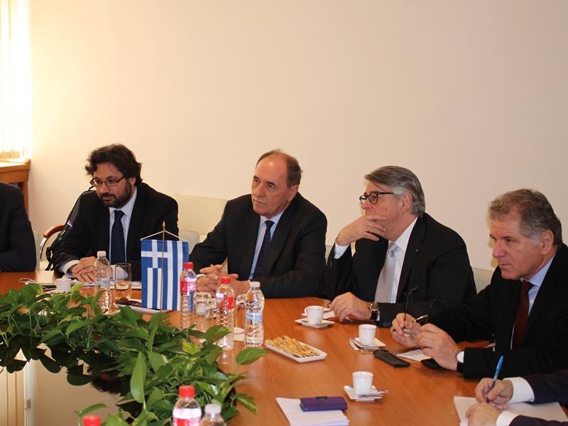 снимка 1 Енергийните министри на България и Гърция обсъдиха газовата връзка