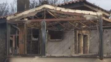 Къща на българка изгоря при пожарите в Гърция
