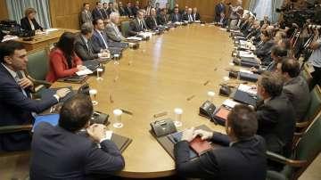 Новият гръцки кабинет внася проект за намаляване на данъците