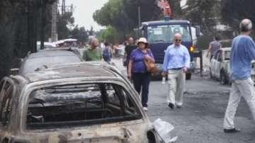 Четирима души са задържани по подозрение за умишлен палеж в Гърция