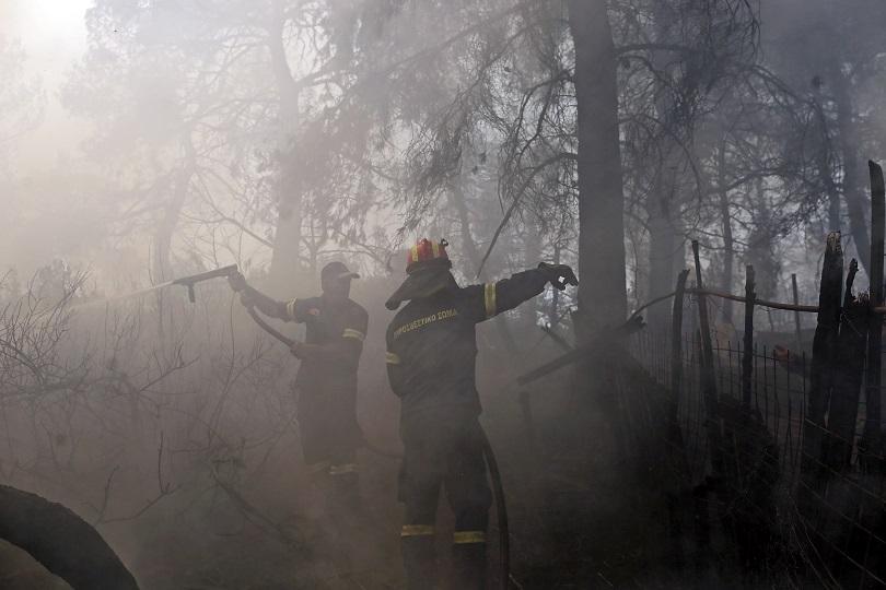 Два пожара на Пелопонес и един в региона на Атика