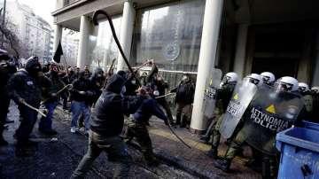 Сблъсъци по време на фермерски протест в Гърция (СНИМКИ + ВИДЕО)