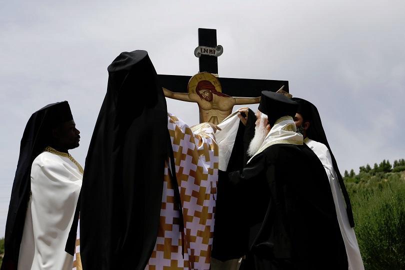 снимка 7 Православният свят отбелязва деня на Христовите страдания