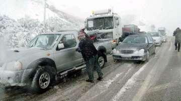 До половин метър сняг в планините в Гърция, има проблеми с транспорта