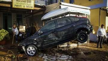 Най-малко 13 души са загинали в района на Атина заради проливните дъждове