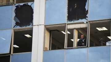 Експлозия край сградата на гръцката телевизия Скай
