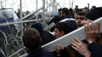 От нашия специален пратеник: Около 6000 са блокирани в Идомени