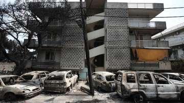 Увеличават се жертвите на пожарите в Гърция