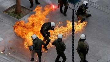 Невиждана стачка в Гърция: Ципрас между улицата и кредиторите