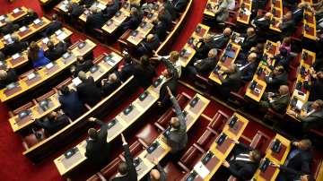 Гръцкият парламент дебатира членството на Македония в НАТО