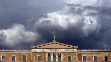 Гръцкият президент официално разпусна парламента преди изборите на 7 юли