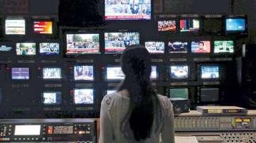 Гръцката телевизия Мега беше спряна от ефир тази нощ